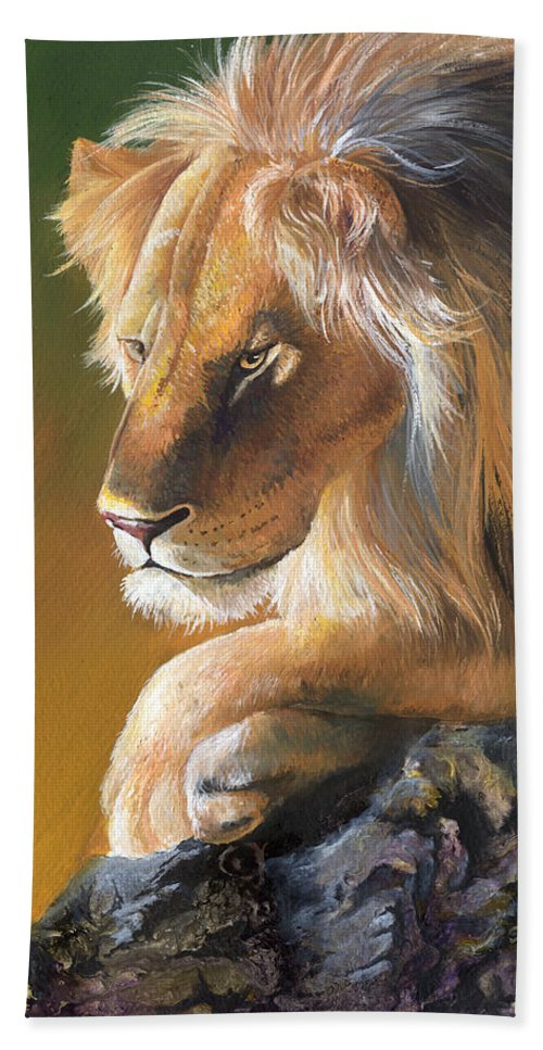 Lion Hand Towel featuring the painting The King by Sherry Shipley