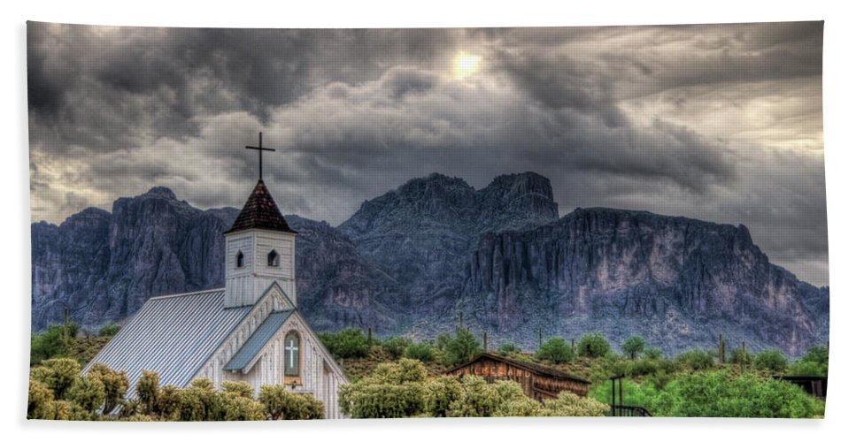 Arizona Bath Towel featuring the photograph The Little Church by Saija Lehtonen