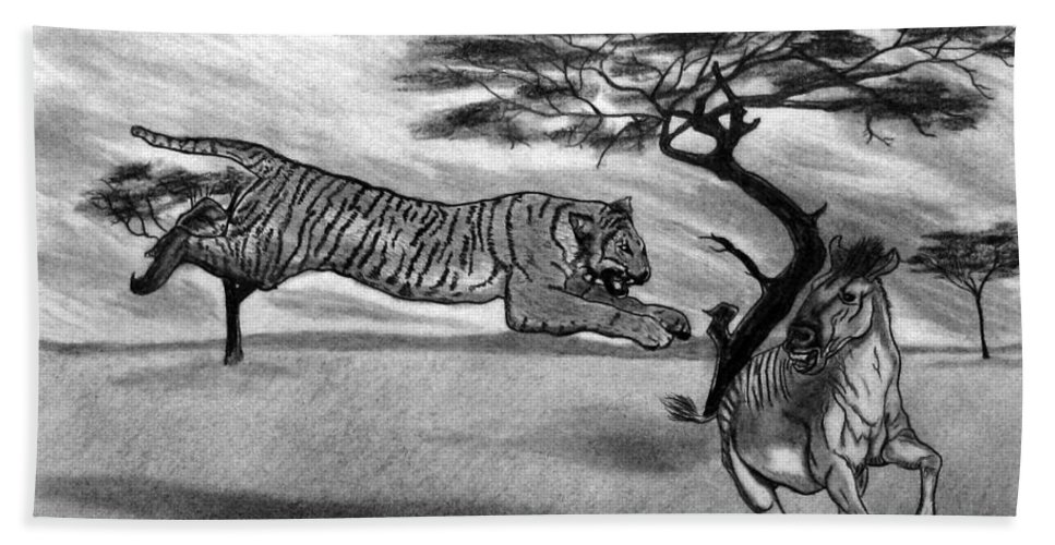 The Lunge Bath Towel featuring the drawing The Lunge by Peter Piatt