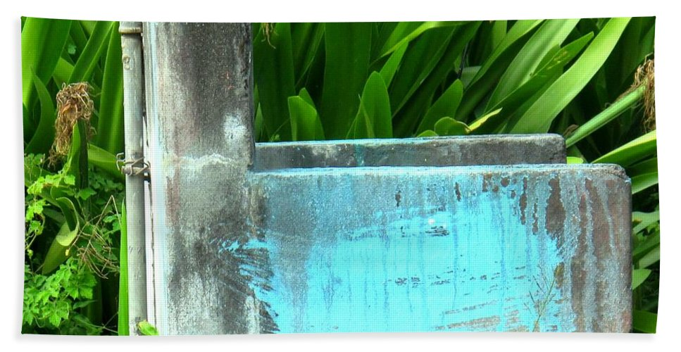 Water Hand Towel featuring the photograph The Neighborhood Water Pipe by Ian MacDonald