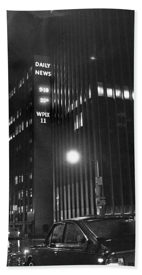 1960s Hand Towel featuring the photograph The Ny Daily News Building by Underwood Archives