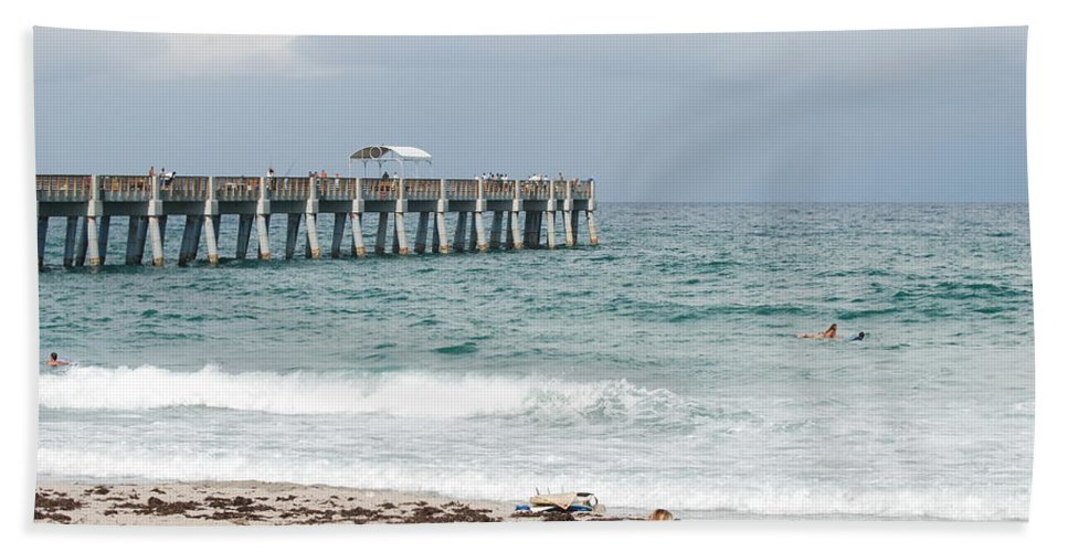 Women Bath Towel featuring the photograph The Ocean Pier by Rob Hans