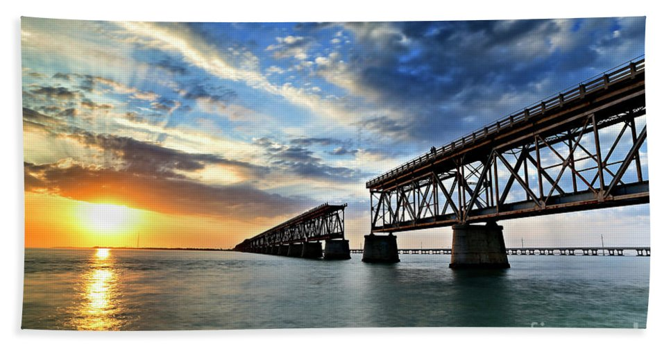 Bay Hand Towel featuring the photograph The Old Bridge Sunset - V2 by Eyzen M Kim
