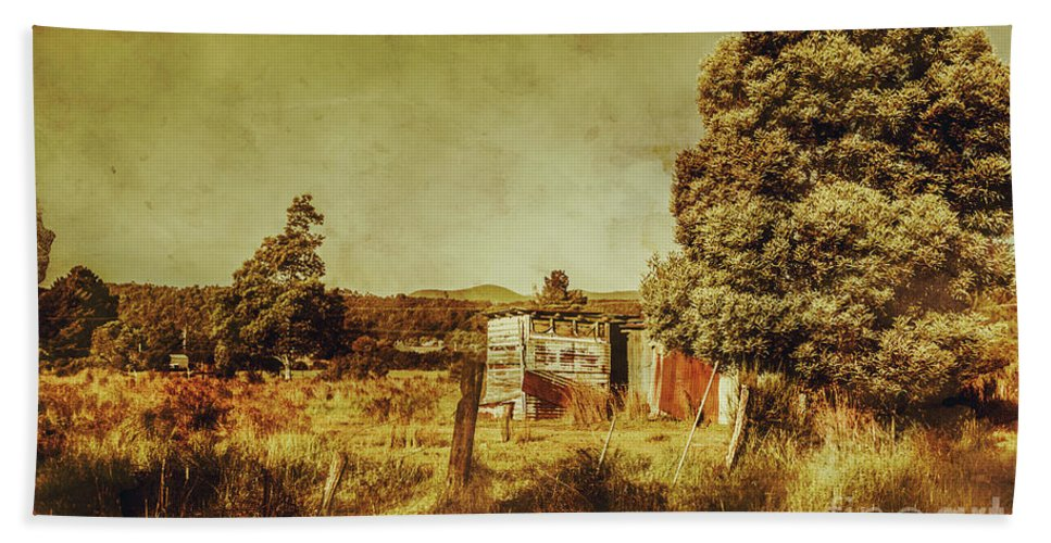 Tasmania Hand Towel featuring the photograph The Old Hay Barn by Jorgo Photography - Wall Art Gallery