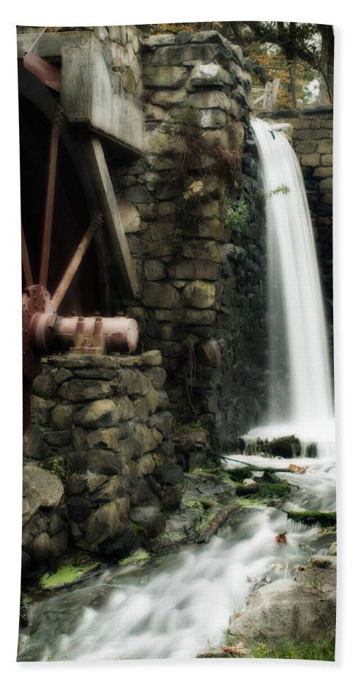 Longfellow's Wayside Inn Bath Sheet featuring the photograph The Old Mill by Renee Hong
