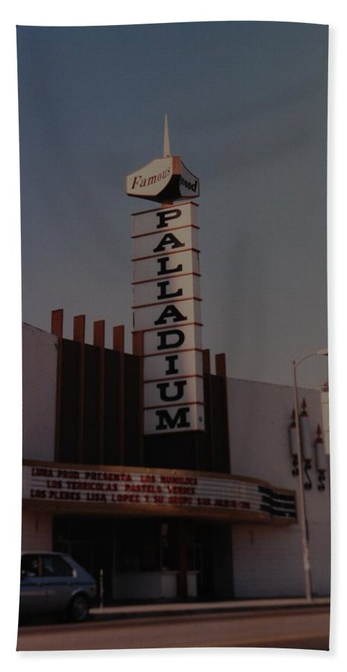 The Palladium Bath Towel featuring the photograph The Palladium by Rob Hans