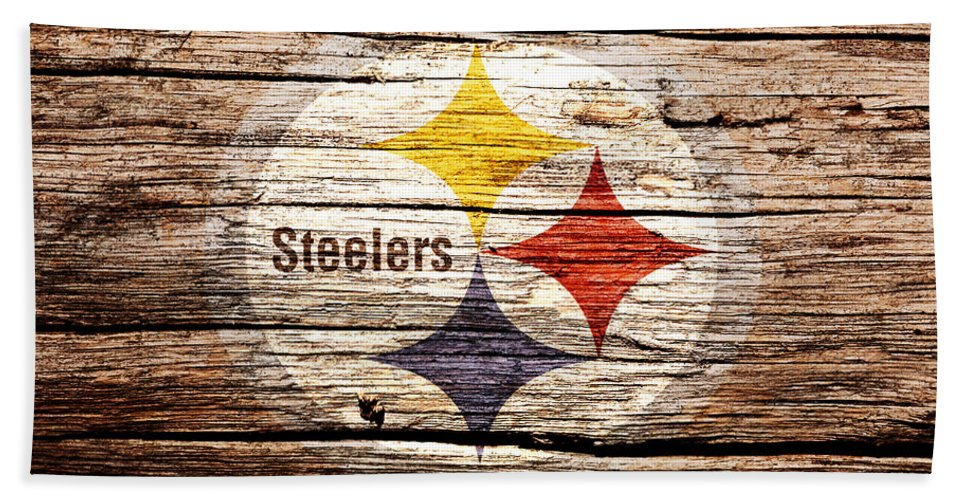 Pittsburgh Steelers Bath Towel featuring the mixed media The Pittsburgh Steelers 2c by Brian Reaves