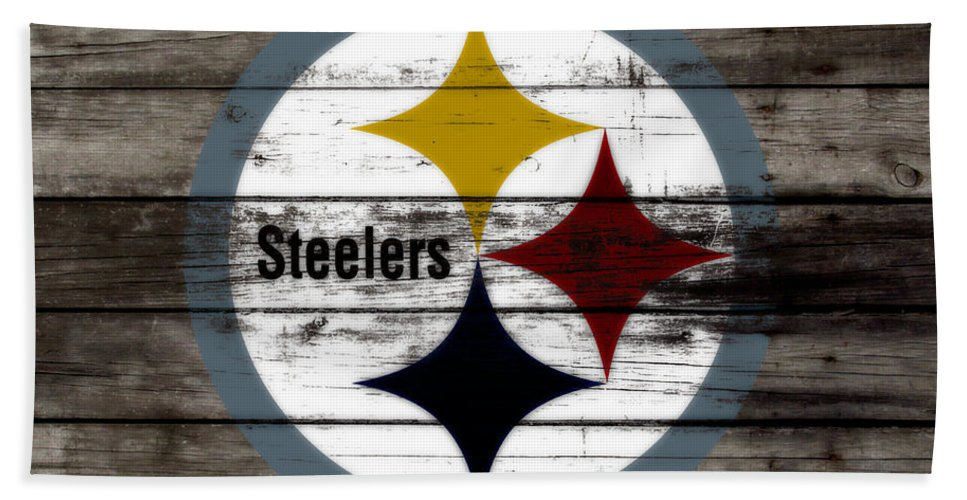 The Pittsburgh Steelers Bath Towel featuring the mixed media The Pittsburgh Steelers W7 by Brian Reaves