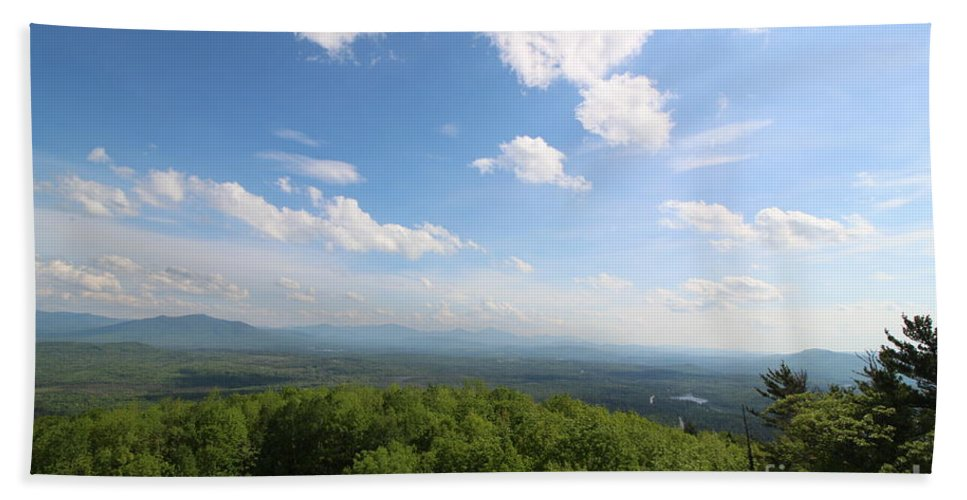 New Hampshire Hand Towel featuring the photograph The Presidential Range From Mount Prospect by Neal Eslinger