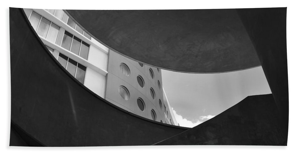 Modern Architecture Hand Towel featuring the photograph The Shape Of Modern Architecture by David Lee Thompson