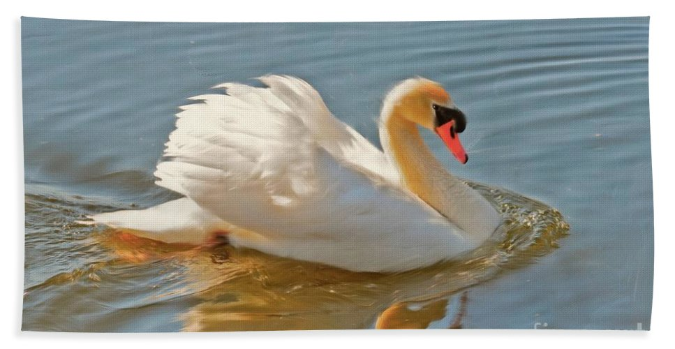 Swan Bath Sheet featuring the photograph The Show Off by Lois Bryan