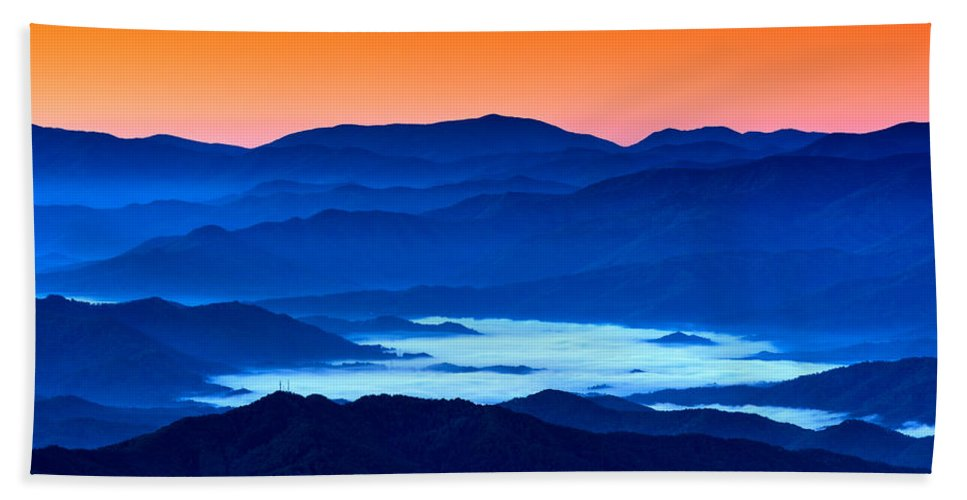 Great Smoky Mountains National Park Bath Sheet featuring the photograph The Smokies Before Dawn by Rick Berk