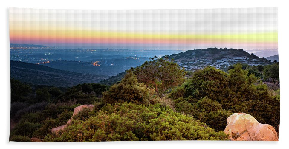 The Sun Of The Evening Of The Mountain And Sea Bath Sheet featuring the photograph The Sun Of The Evening Of The Mountain And Sea by Shay Weiss