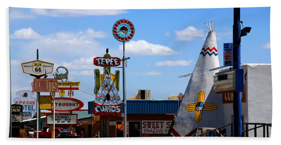 Tucumcari Bath Sheet featuring the photograph The Tee-pee Curios On Route 66 Nm by Susanne Van Hulst