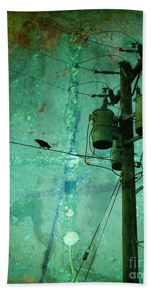Urban Bath Towel featuring the photograph The Urban Crow by Tara Turner