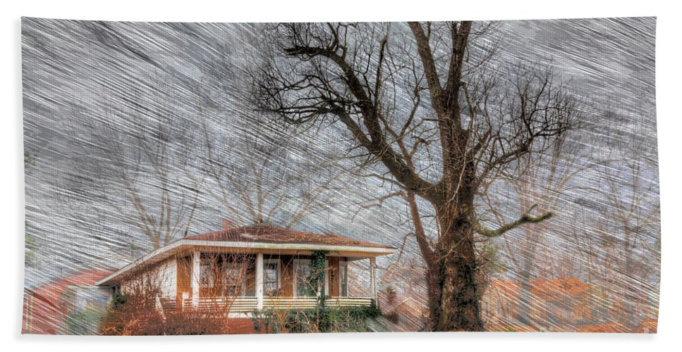 Travel Bath Towel featuring the photograph The Warner House by Larry Braun