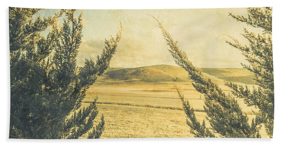 Vintage Hand Towel featuring the photograph The Wayback Meadow by Jorgo Photography - Wall Art Gallery