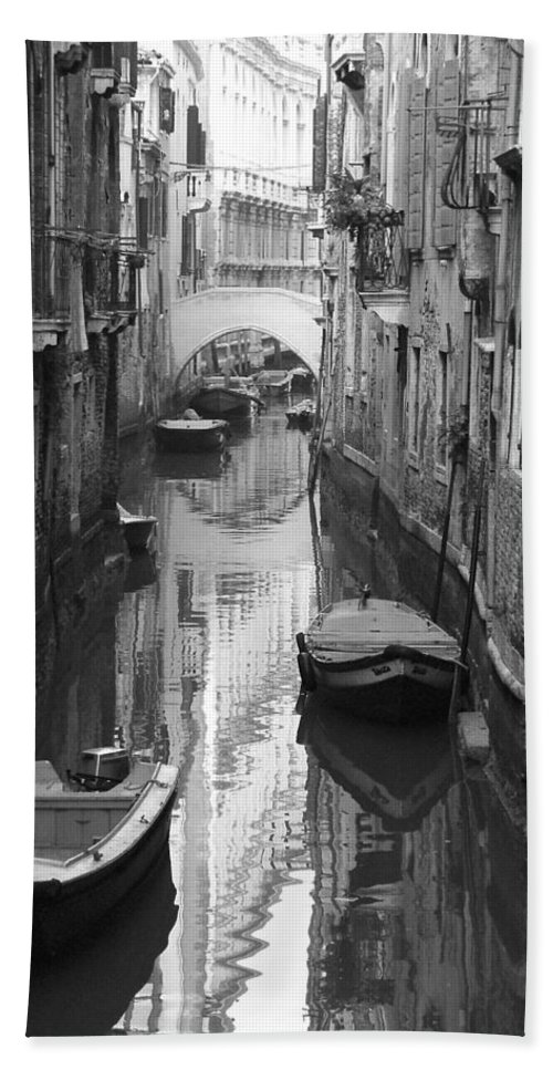 Venice Bath Towel featuring the photograph The White Bridge by Donna Corless