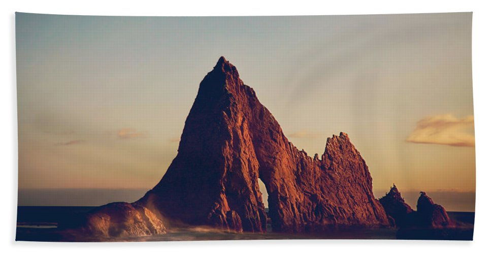 Martins Beach Bath Towel featuring the photograph This Need In Me by Laurie Search