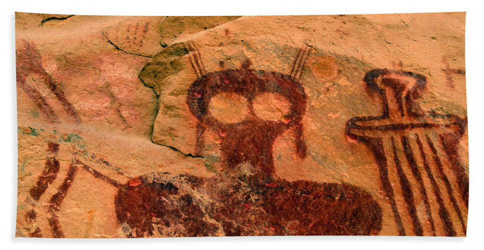 Shaman Hand Towel featuring the photograph Thompsons Spring Shaman by David Lee Thompson