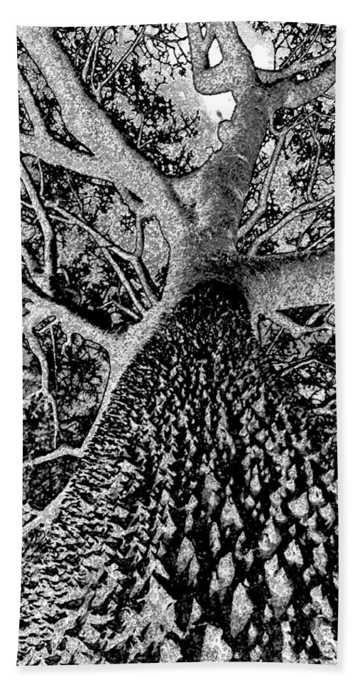 Black And White Hand Towel featuring the painting Thorn Tree Black And White by David Lee Thompson