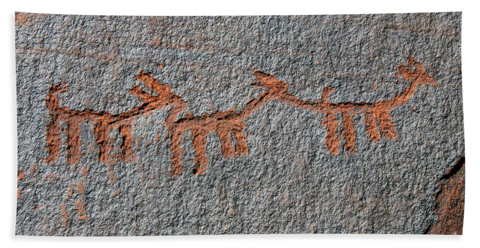 Petroglyphs Bath Towel featuring the photograph Three Deer by David Lee Thompson