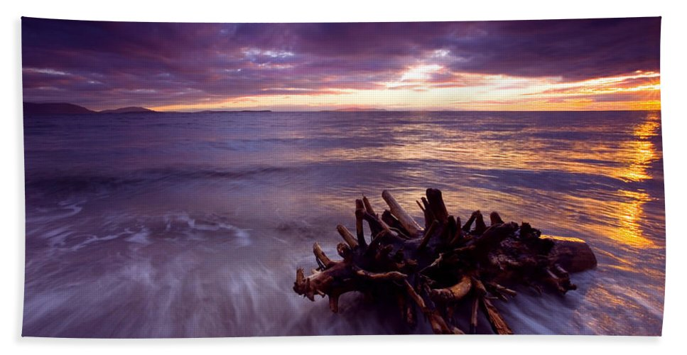 Sunset Bath Towel featuring the photograph Tide Driven by Mike Dawson