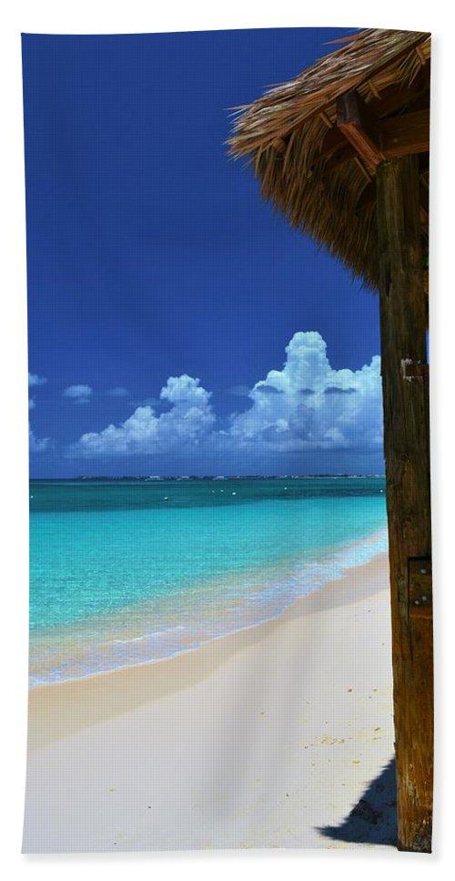 Tiki Hut Bath Sheet featuring the photograph Tiki Hut by Dennis Nelson