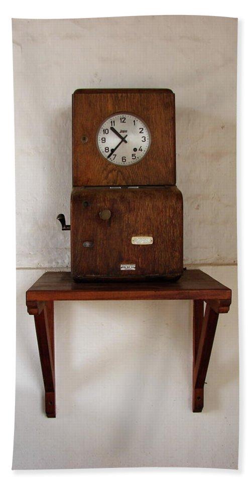 Colchagua Bath Sheet featuring the photograph Time Clock by Brett Winn