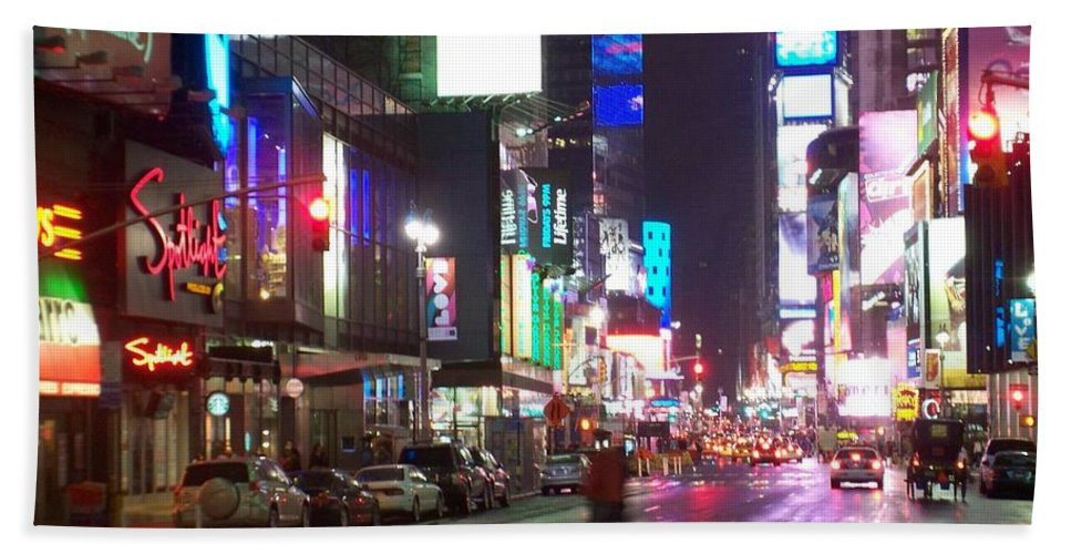 Times Square Bath Towel featuring the photograph Times Square in the rain 2 by Anita Burgermeister