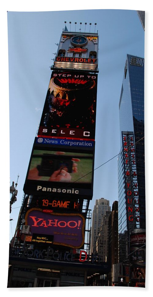 Times Square Bath Towel featuring the photograph Times Square by Rob Hans