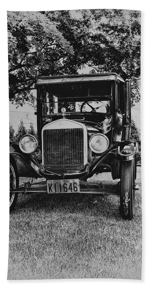 Ford Model T Bath Sheet featuring the photograph Tin Lizzy - Ford Model T by Bill Cannon