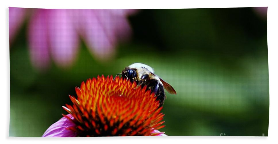 Clay Bath Sheet featuring the photograph To Bee Or Not To Bee by Clayton Bruster