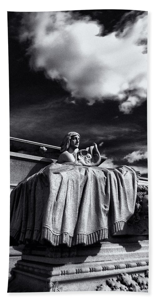 Cemetery Bath Sheet featuring the photograph To The Heavens by Scott Wyatt