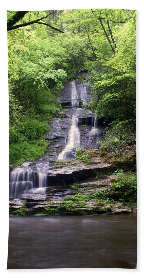 Waterfalls Bath Towel featuring the photograph Tom Branch Falls by Marty Koch