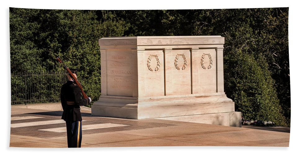 Tomb Hand Towel featuring the photograph Tomb Of The Unknown Soldier by Don Johnson