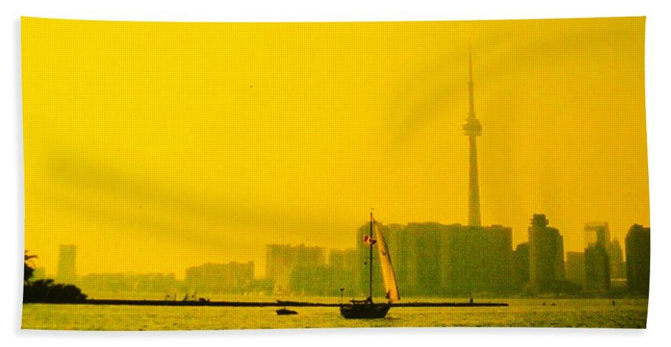 Toronto Hand Towel featuring the photograph Toronto At Sunset by Ian MacDonald