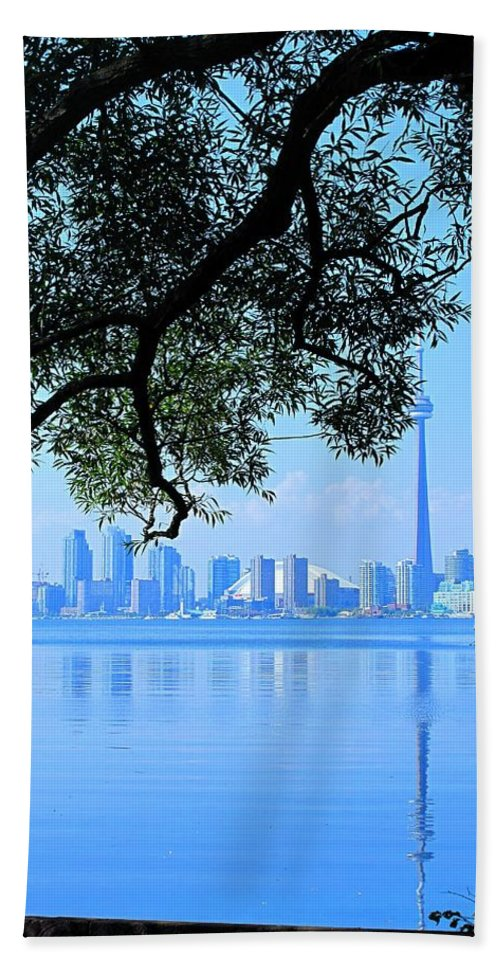 Cn Tower Hand Towel featuring the photograph Toronto Framed by Ian MacDonald