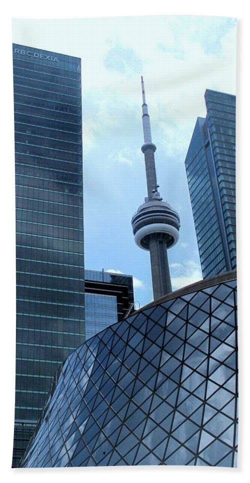 Cn Tower Hand Towel featuring the photograph Toronto Soaring by Ian MacDonald