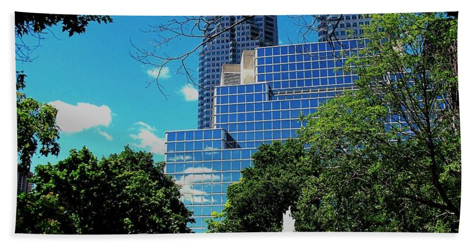 Park Hand Towel featuring the photograph Toronto Wellington Street Park by Ian MacDonald