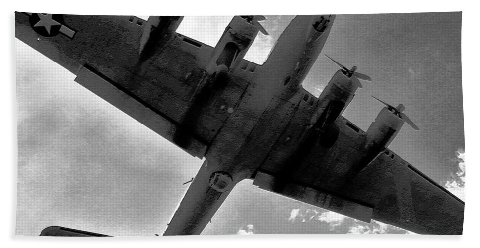 B 17 Hand Towel featuring the photograph Tough Old Bird by David Lee Thompson