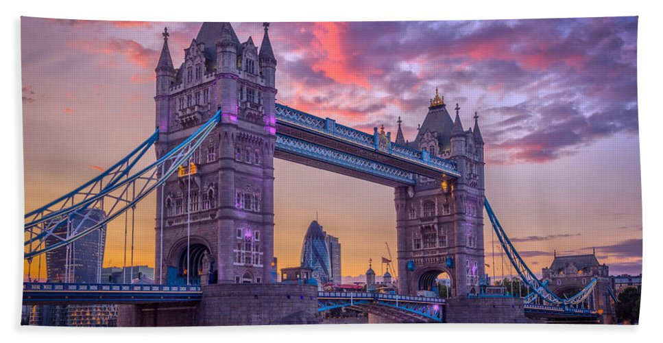 Bridge Hand Towel featuring the photograph Tower Bridge by Rich Wiltshire