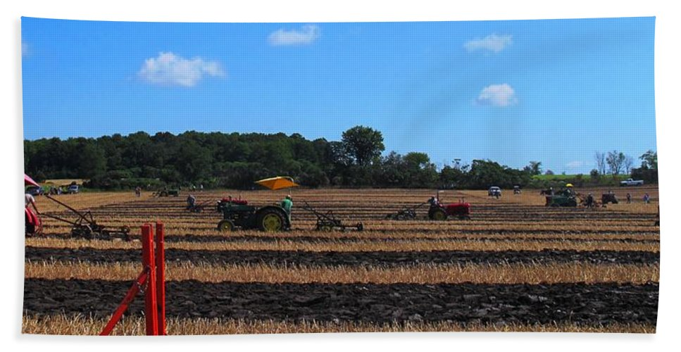 Tractors Hand Towel featuring the photograph Tractors Competing by Ian MacDonald