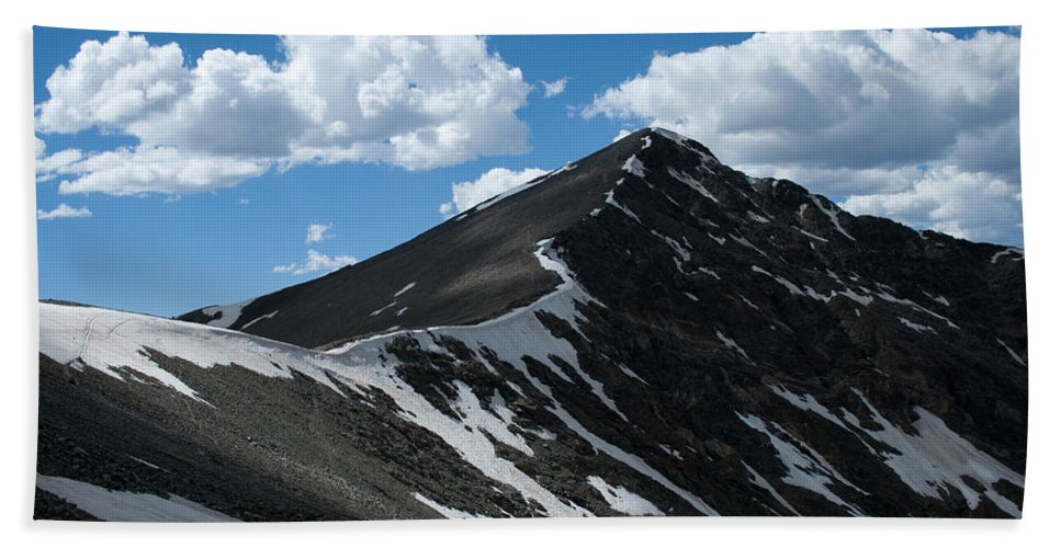 Grays Peak Bath Sheet featuring the photograph Trail From Grays To Torreys by Angus Hooper Iii