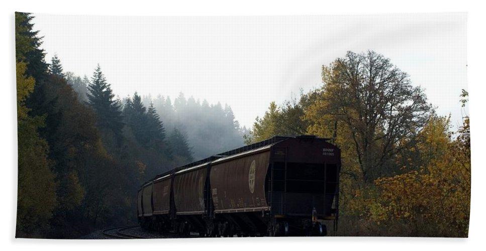 Train Hand Towel featuring the photograph Train 3 by Sara Stevenson