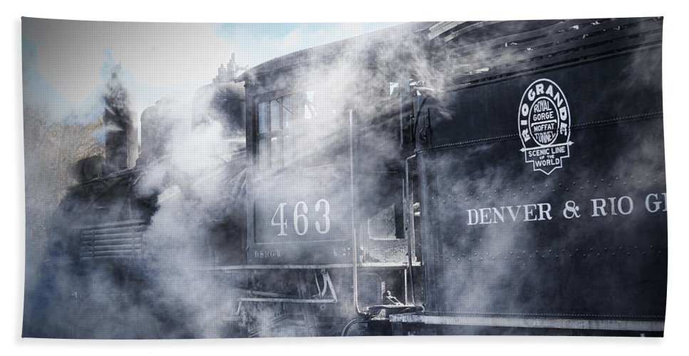 Steven Bateson Hand Towel featuring the photograph Train Engine 463 by Steven Bateson