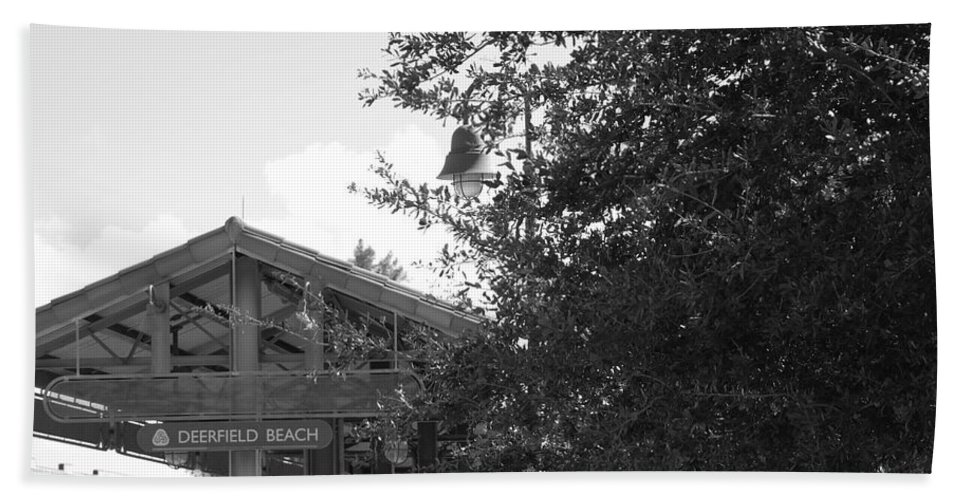 Black And White Bath Sheet featuring the photograph Train Station In Deerfield Beach by Rob Hans