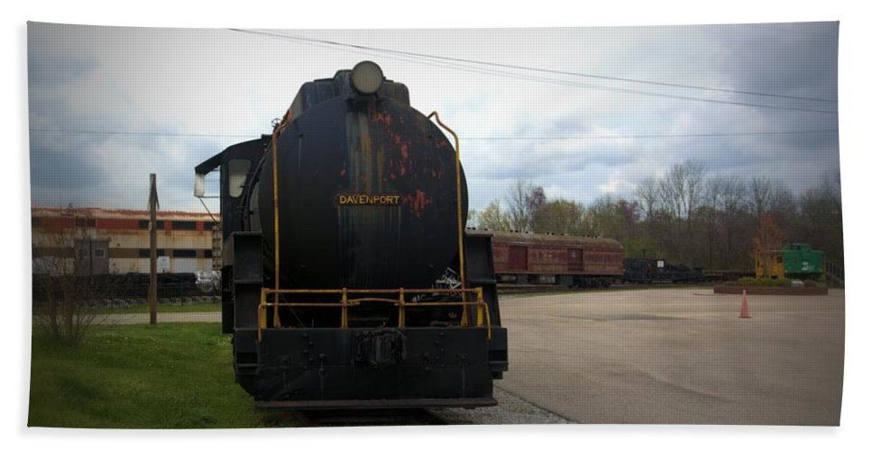 Train Hand Towel featuring the photograph Trains 3 Vign by Jay Mann