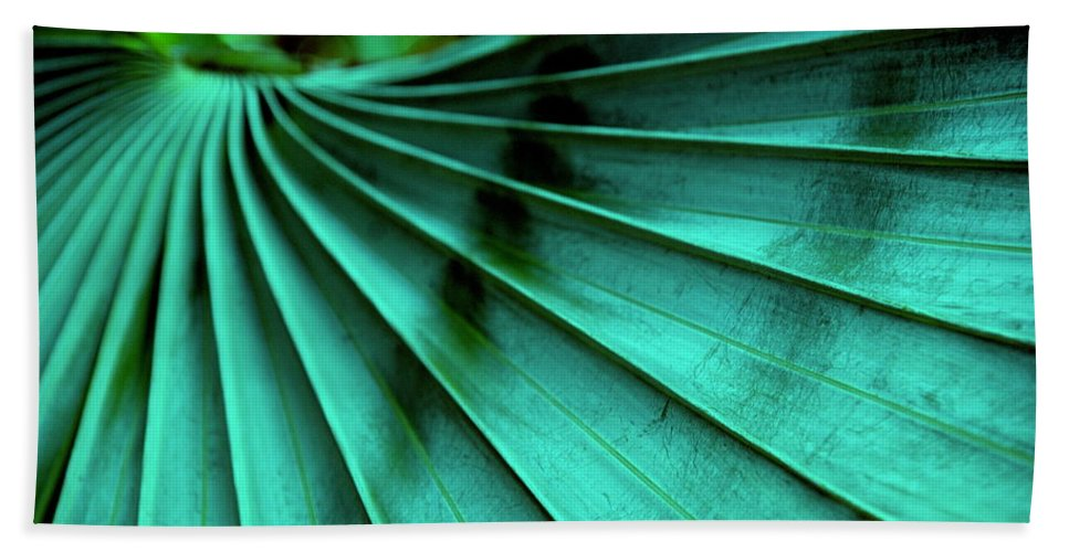Silver Palm Leaf Bath Sheet featuring the photograph Tropical Wings by Susanne Van Hulst