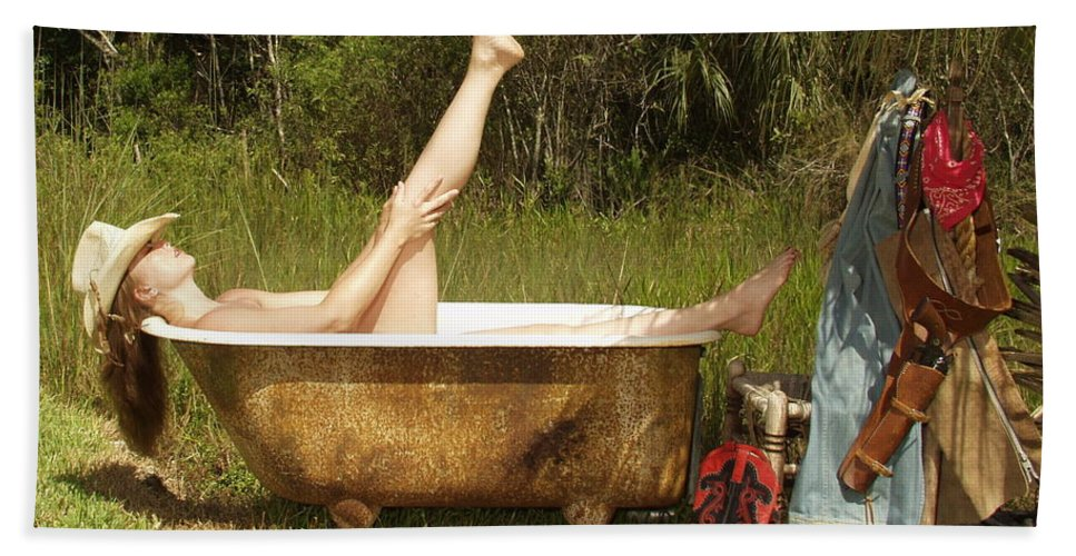 Everglades City Fl.professional Photographer Lucky Cole  Everglades City Photographer Lucky Cole Everglades City Glamour  Everglades City Beauty Everglades City Fl.photographer Lucky Cole  Angels Sexy Exotic Natural Beauty Glamorous Environmental Portraits Female Natural Settings  Exotic Beauty Wildlife  Everglades City Florida  Naples Florida Professional Photographer Lucky Cole Loop Road Bath Sheet featuring the photograph Tub 300 by Lucky Cole